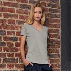 B&C Collection Women's Organic V-Neck T-Shirt